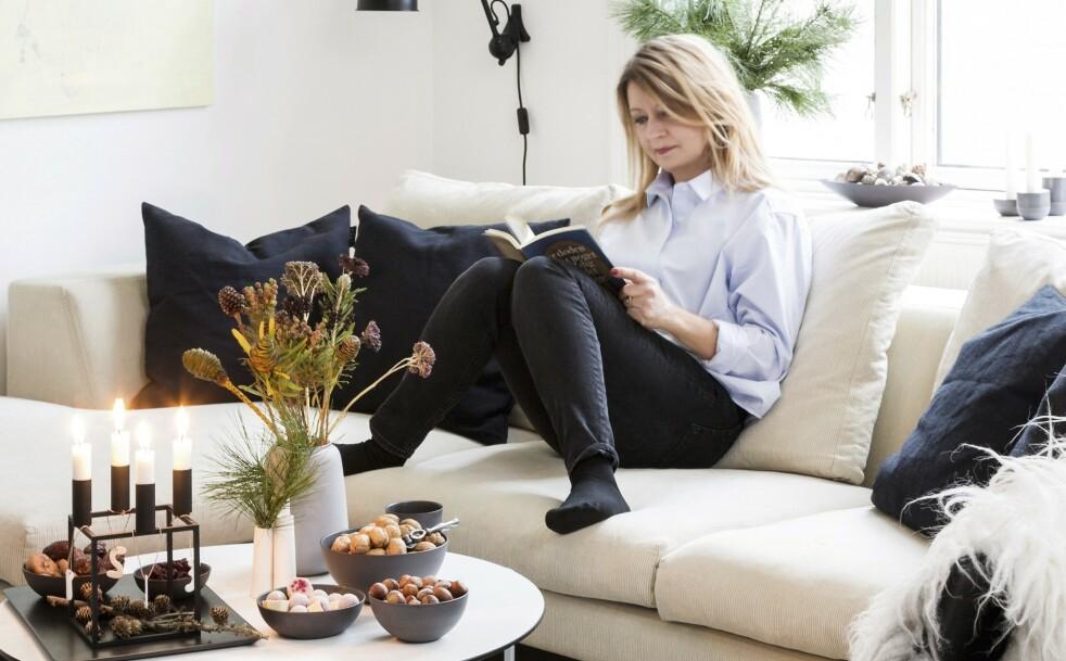 JULEPYNT: Tips! Kongler og nøtter er perfekt pynt. FOTO: Anitta Behrendt