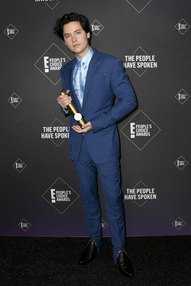 VANT PRIS: Cole Sprouse ble kåret til årets mannlige tv-stjerne. Foto: NTB Scanpix
