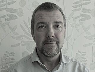 BEHANDLER SKOLEVEGRING: Robert Palmér jobber på et senter i Sverige som behandler barn med skolevegring. Han mener skolene må ta større ansvar. FOTO: Privat