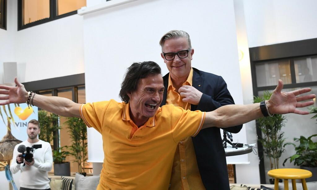FLYR HØYT: Hotellmagnaten Petter Stordalen, her sammen med Vings daglige leder Johnny Nilsen, er svært fornøyd med kjøpet av Ving. Foto: Janerik Henriksson/TT / NTB scanpix