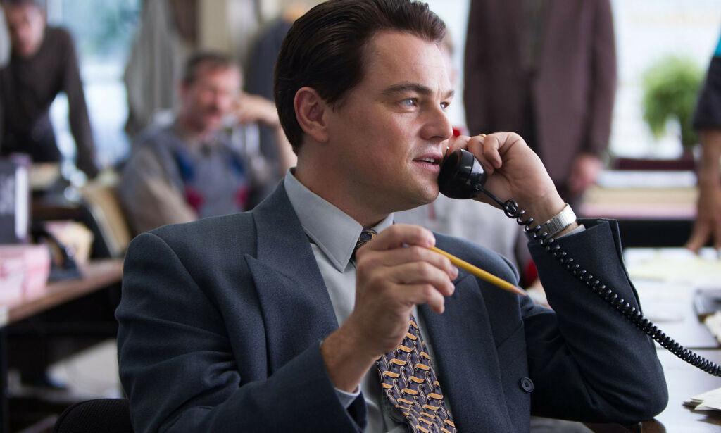 image: Pen, høy, hvit mann = lønnsvinner