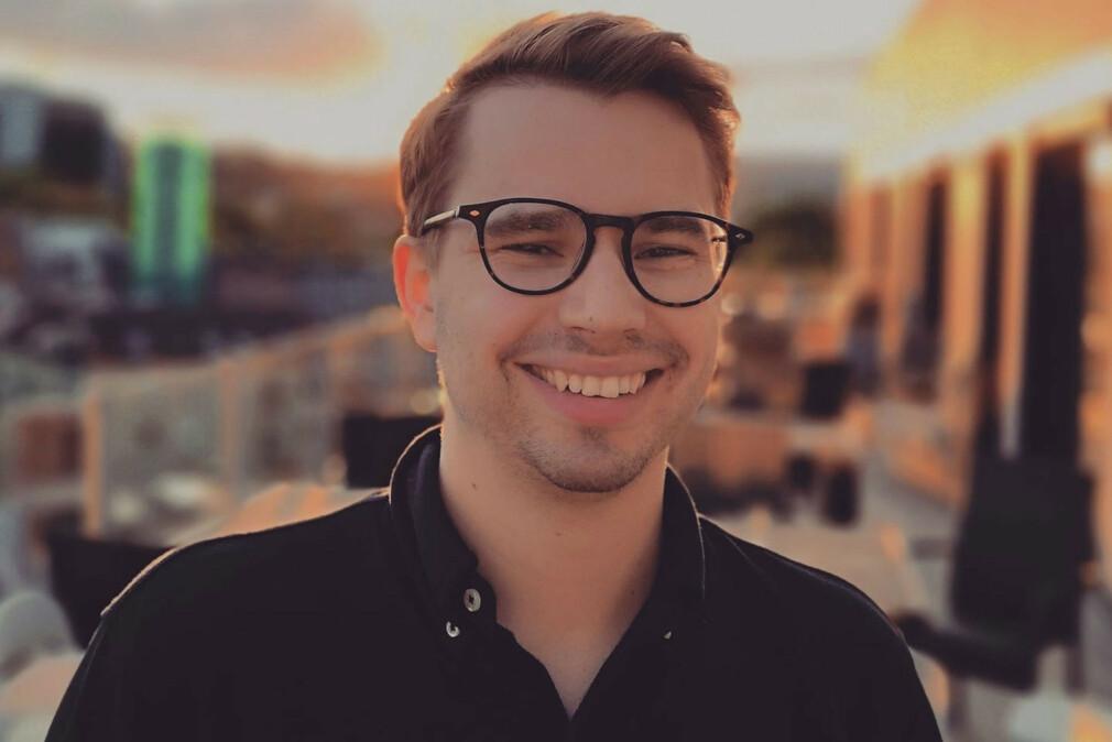 Tobias Moe Thorstensen oppforderer utviklere til å snakke mer med kundene. 📸: Privat