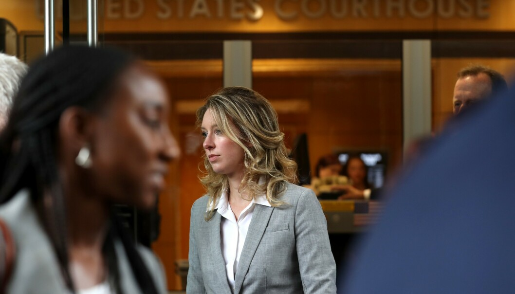 <strong>PÅ TYNN IS:</strong> Theranos-gründer Elizabeth Holmes i retten, fredag 28. juni. Foto: Justin Sullivan / Getty Images / AFP / NTB Scanpix