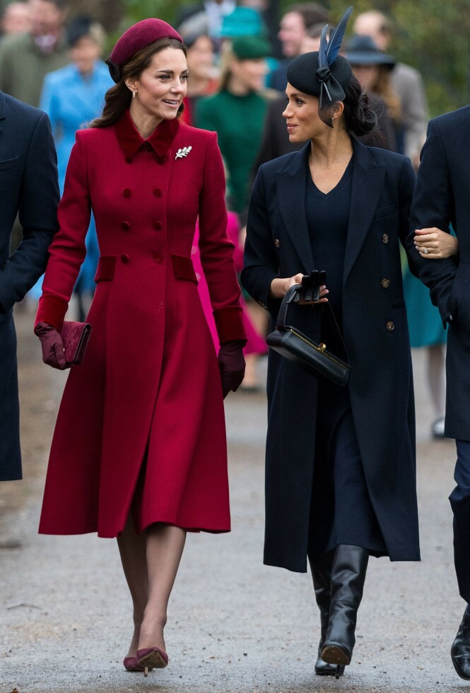 <strong>VENNER?:</strong> Meghan og Kate blåste ryktene av banen da de dukket opp sammen til fjorårets julegudstjeneste. Foto: NTB Scanpix