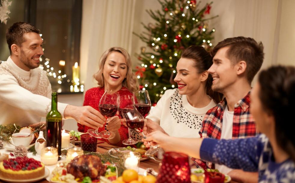 JULEFEIRING: Her i Norden har vi som tradisjon å feire julaften kvelden 24. desember, mens det i for eksempel USA og Storbritannia er vanlig å starte feiringen på morgenen 25. desember. FOTO: NTB scanpix