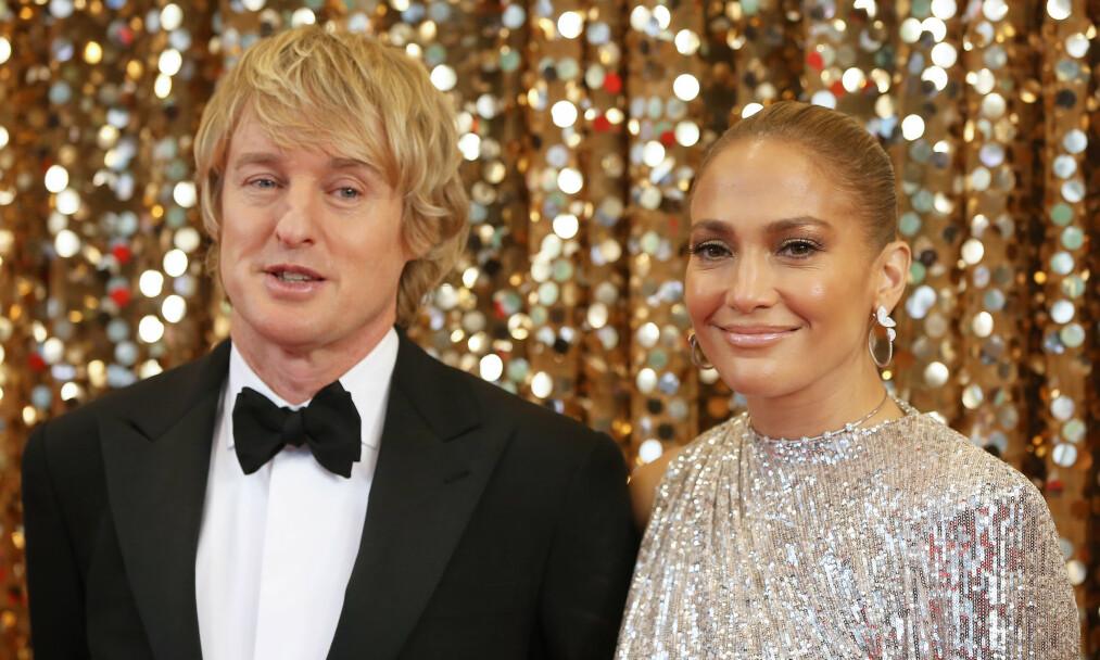KOLLEGAER: Owen Wilson og Jennifer Lopez blir å se sammen i den kommende romantiske komedien «Marry Me». Her er duoen på en New York-premiere sist måned. Foto: NTB Scanpix