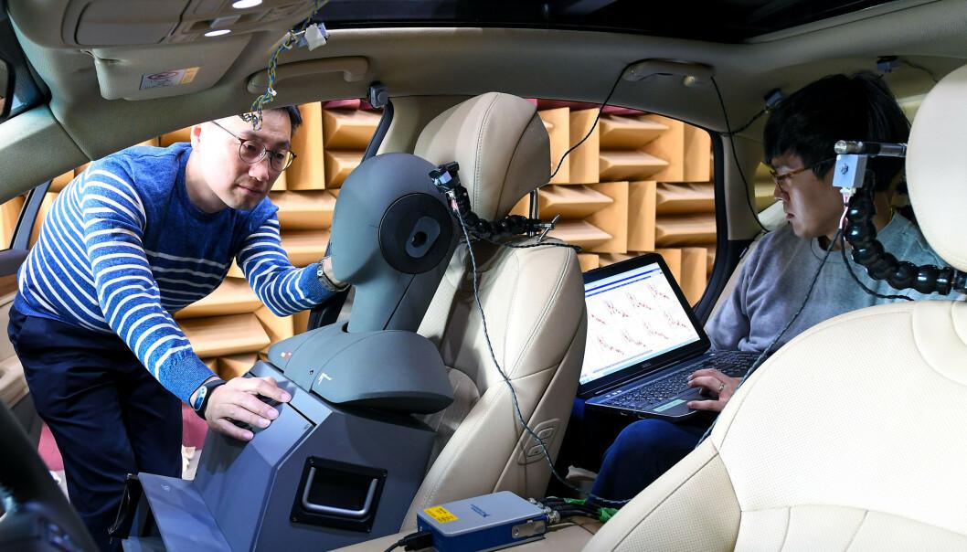 TESTER: Slik tester bilprodusentene innvendig støy i bilene. Foto: Hyundai