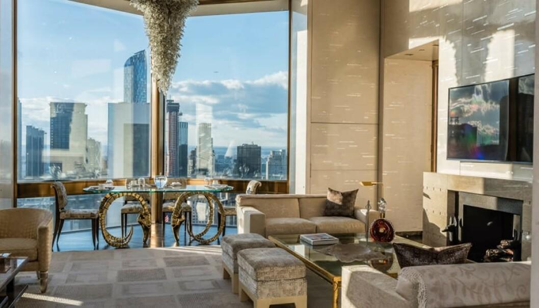 <strong>HØYT OPPE:</strong> Ty Warner Penthouse på Four Seasons Hotel byr på rimelig grei oversikt over New York. Foto: Four Seasons Hotel.