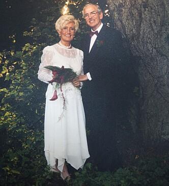 <strong>Smidd i hymens lenker:</strong> I september 1998 giftet Åge og Gerd seg, etter å ha kjent hverandre i seks måneder. – Vi har ikke angret en dag, sier de to.