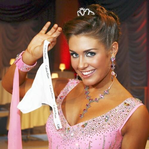 LYKKETRUSE: Tone Damli brukte hvite Calvin Klein-truser da hun var med i dansekonkurransen. Foto: Tore Skaar / Se og Hør