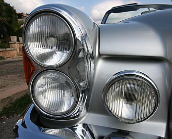 <strong>KLASSISK:</strong> På 70-tallet ble det aldri nok runde lykter på bilene. Foto: Lord Arnstein Landsem