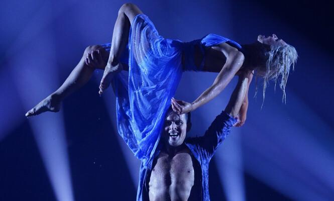 FINALEDANSEN: Hetland fikk runde nummer tre med toppscore etter showdansen som avsluttet programmet.