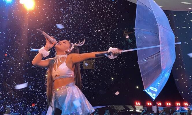 TURNÉ: Ariana Grande har reist verden rundt det siste året. Nå er hun usikker på om hun kan gjennomføre de kommende konsertene. Foto: Splah News / NTB Scanpix