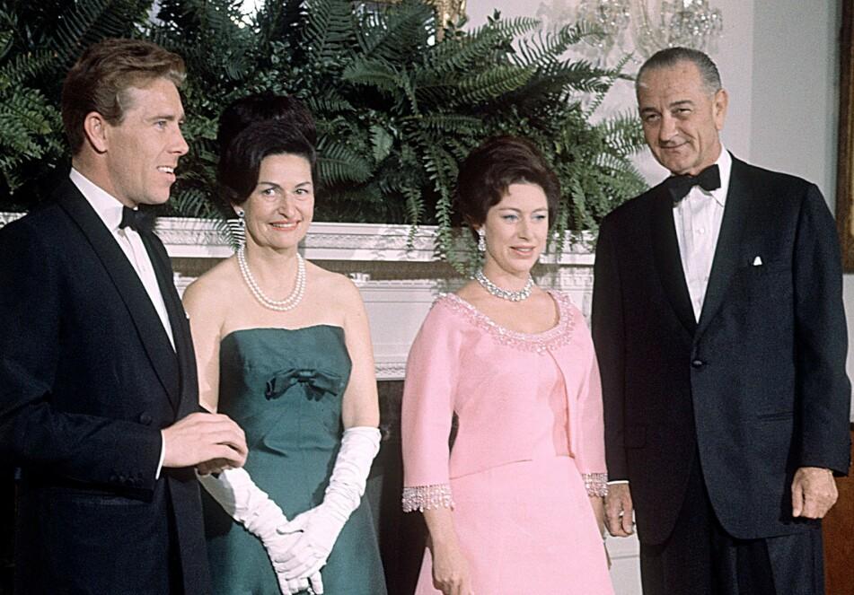 I DET HVITE HUS: I november 1965 var prinsesse Margaret og ektemannen Lord Snowdon på besøk hos president Lyndon B. Johnson og Lady Bird Johnson i Det hvite hus. FOTO: NTB Scanpix