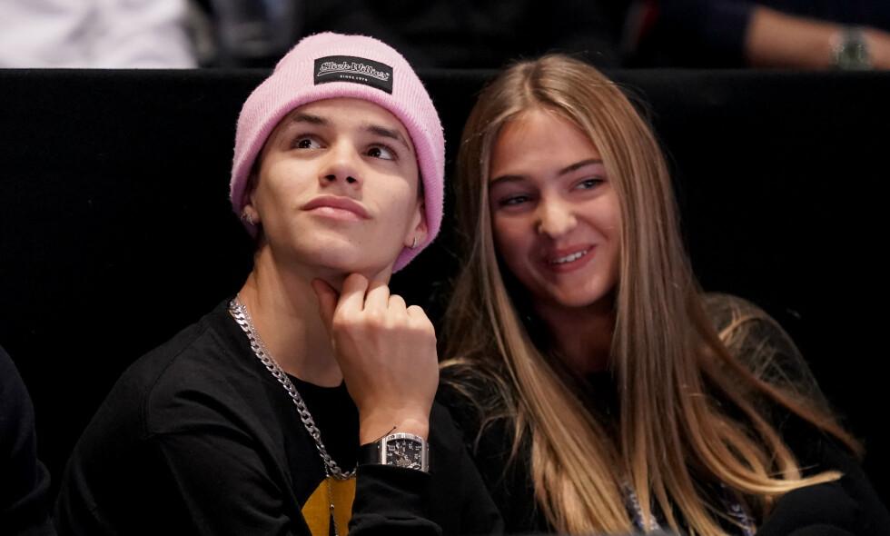 UNG ROMANSE?: Nye bilder av kjendissønnen Romeo Beckham og 17 år gamle Mia Roocher setter fart på ryktene om at de har blitt et par. Foto: NTB Scanpix