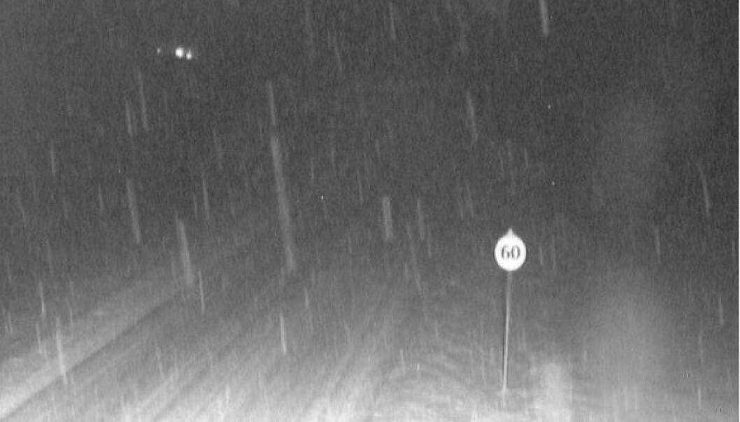 Varsler 30 centimeter snø