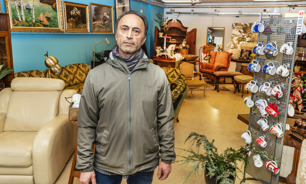 SKATTEJEGER: Etter at han ble ufør, har Sasan Bajand tilbrakt mye tid på skattejakt på Fretex og ymse loppemarkeder. Foto: Hans Arne Vedlog