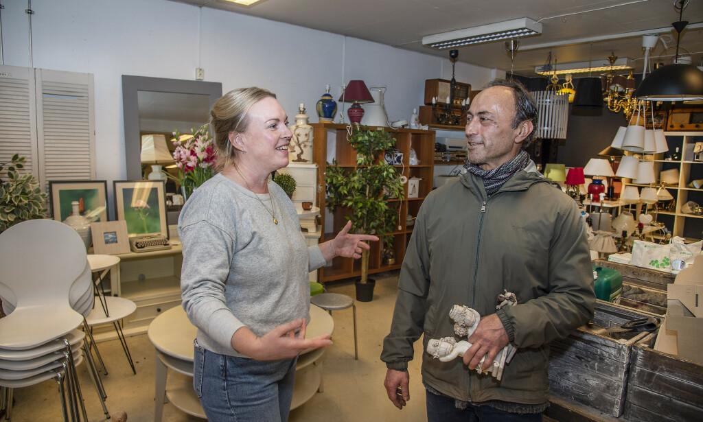 IKKE BITTER: Innkjøpssjef Hilde Kjønstad i Fretex sier de unner Bajand gullfunnet. Foto: Hans Arne Vedlog