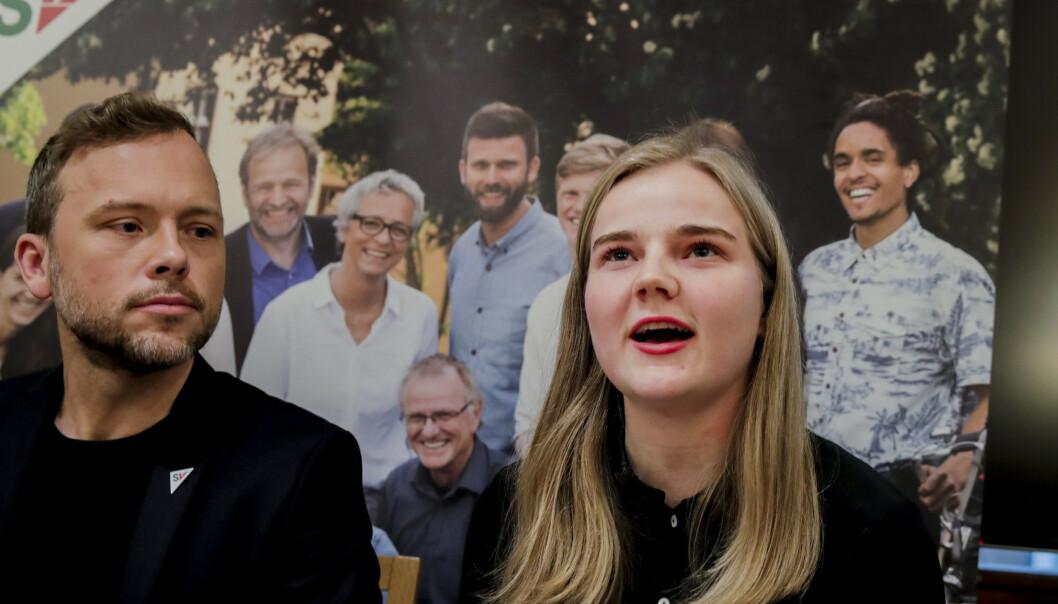 SVs leder Audun Lysbakken og Solveig Skaugvoll Foss, som er SVs fungerende finanspolitisk talsperson, presenterer SVs alternative statsbudsjett. Foto: Vidar Ruud / NTB scanpix