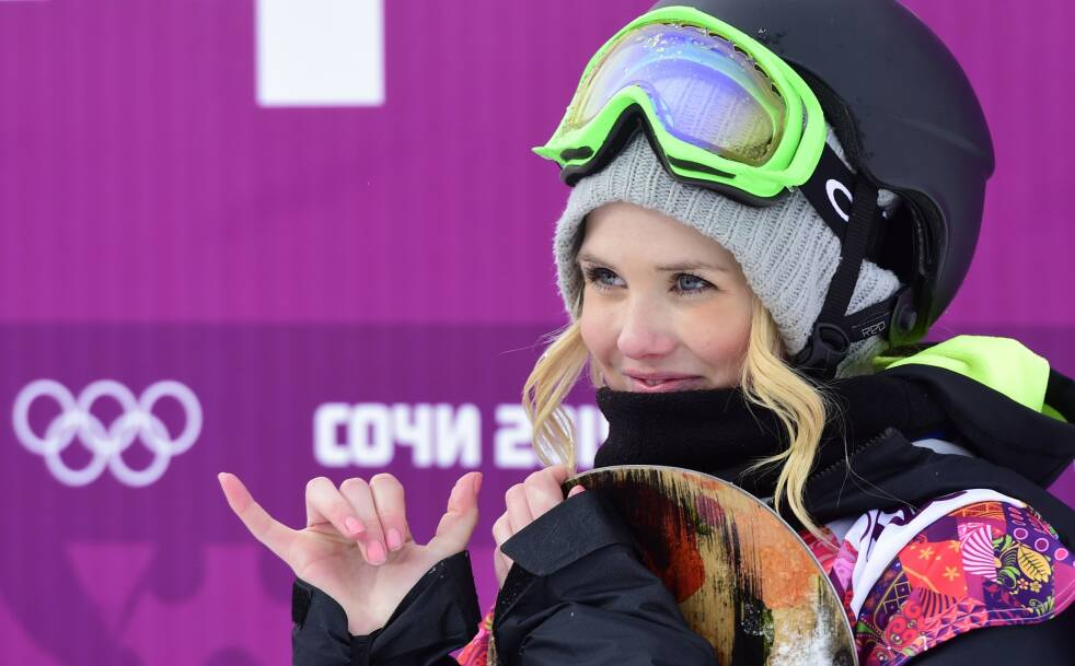 SMINKE PÅ TRENING: For den norske snowboarderen er det blitt en vane å sminke seg hver dag, men hun gjør det ikke for noen andre enn seg selv. FOTO: NTB scanpix
