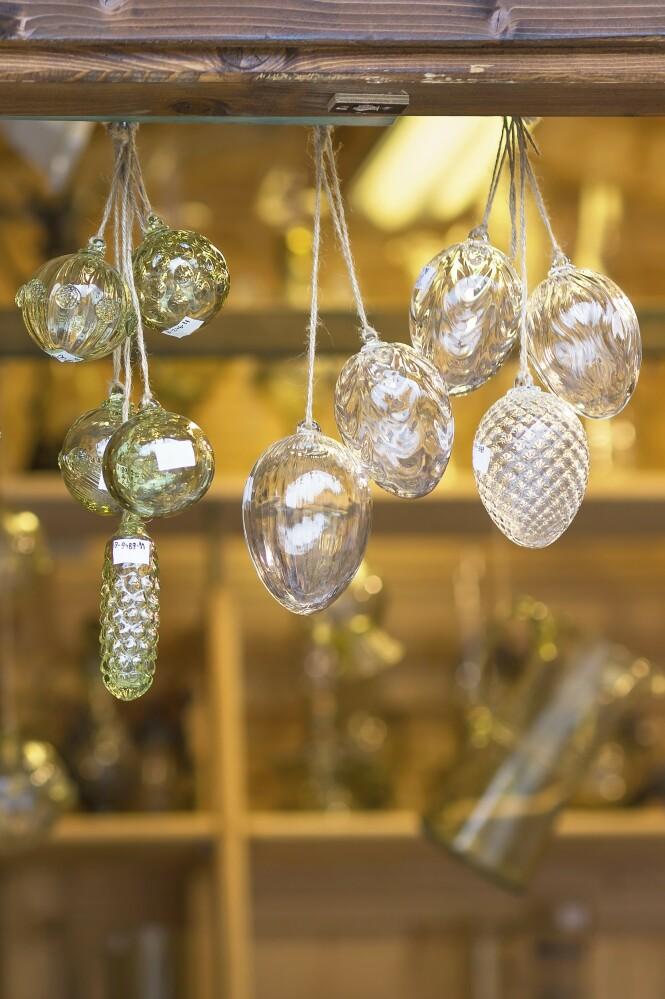 Glasspynt av alle slag er en gjenganger på markedene. FOTO: NTB Scanpix