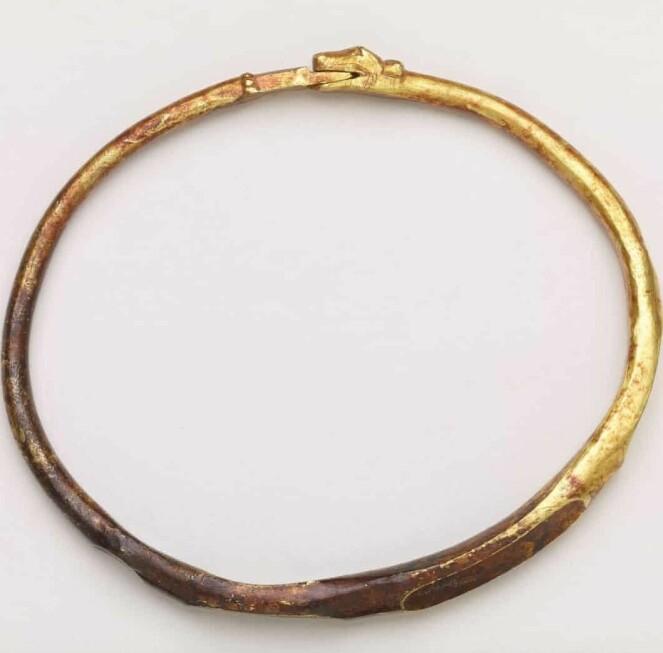 <strong>SLANGEARMBÅND:</strong> Vikingene skal ikke ha det på seg at de ikke kunne å pynte seg. Foto: British Museum
