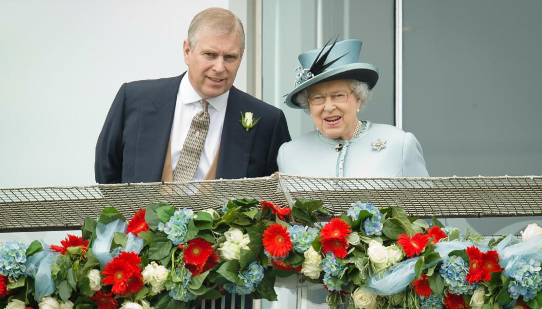 <strong>FESTBREMS:</strong> Dronning Elizabeth skal ha avlyst prins Andrews store 60-årslag i februar. Nyheten kommer i kjølvannet av det som kan sies å ha vært den mest intense uka i prinsens liv. Foto: NTB scanpix