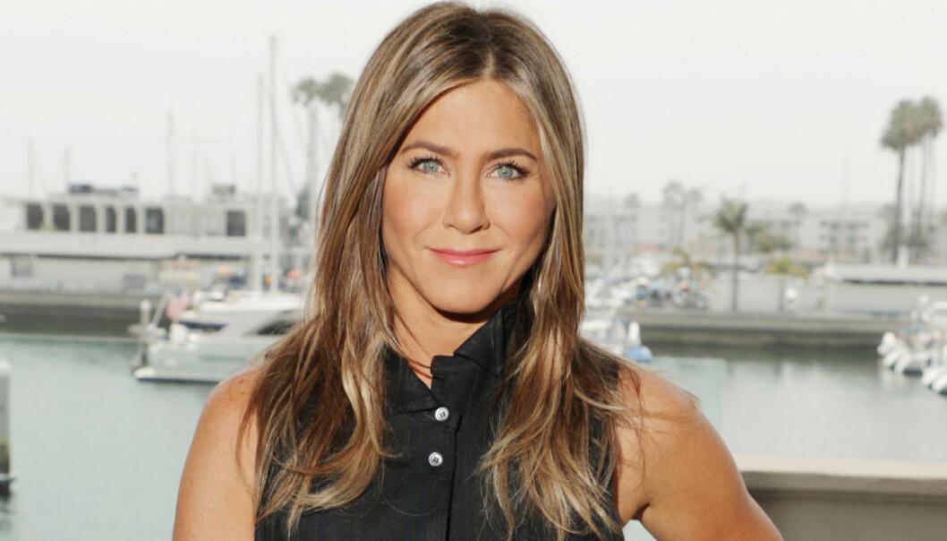 PÅFØR KREM PÅ VARM HUD: Anistons beste tips er forøvrig å påføre krem mens huden er ordentlig varm, for eksempel i dusjen etter at vannet er skrudd av. FOTO: NTB Scanpix