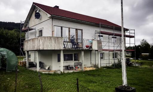 """BRANNFARE: """"Overhengende far for tap av liv og helse ved evt brann"""", skrev brannvesenet om dette huset. Foto. Einar Haakaas / Dagbladet"""