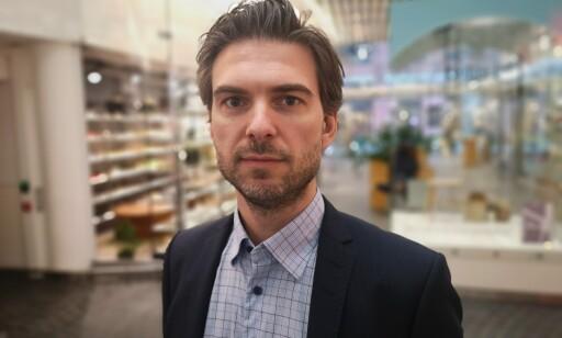 AKTIV DØDSHJELP: Varehandelsanalytiker Eirik Melle mener norske butikker bedriver en form for aktiv dødshjelp. Foto: Danske Bank