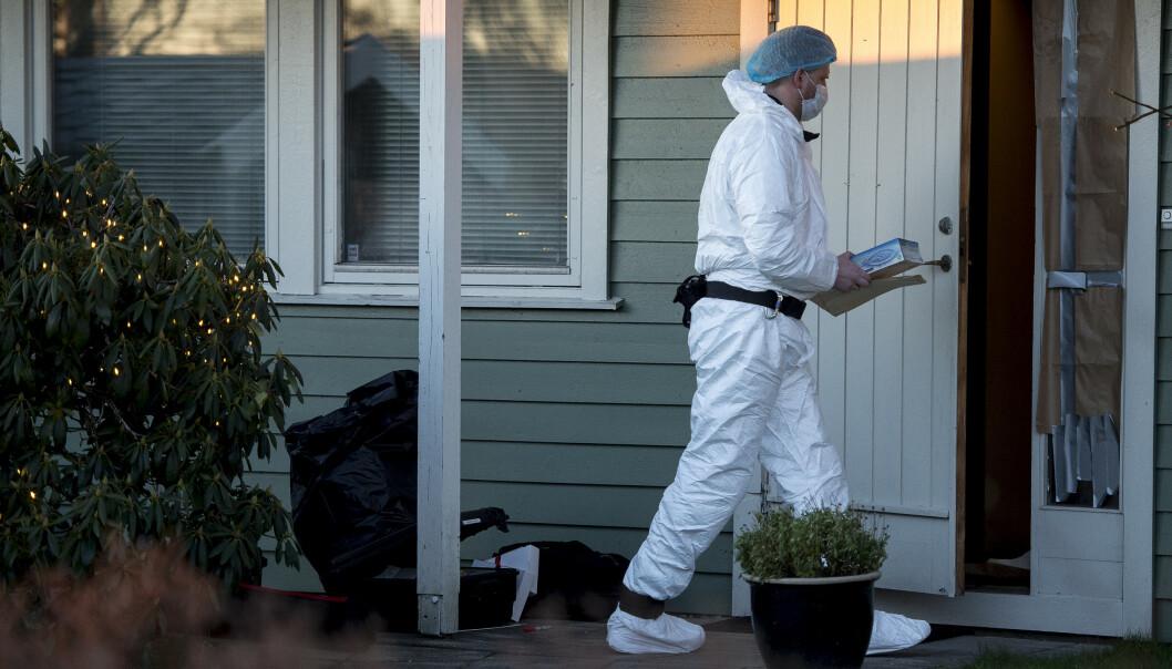 Krimteknikere undersøker boligen i Sandnes der drapet fant sted lille julaften i fjor. Arkivfoto: Carina Johansen / NTB scanpix