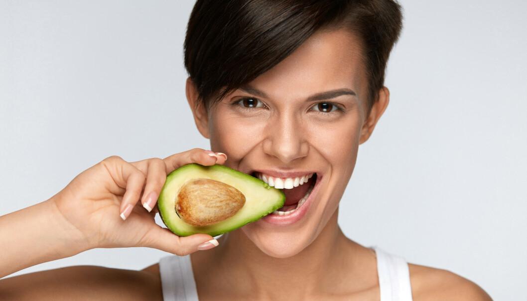 SUNT FETT: Avokado er et eksempel på en matvare som inneholder mye sunt fett. FOTO: NTB Scanpix