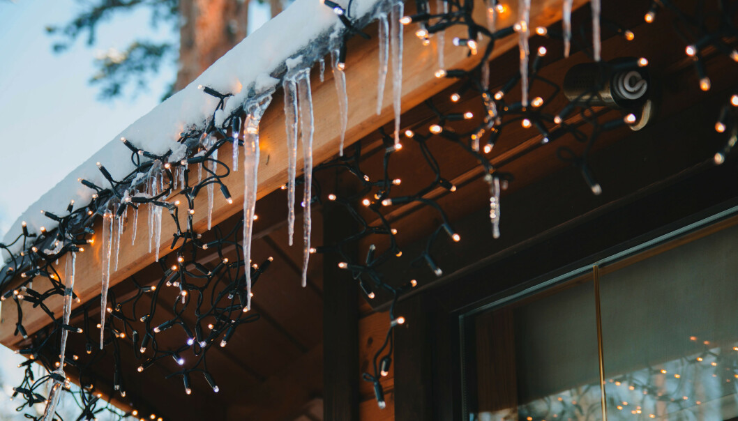 - Ikke bruk de gamle julelysene