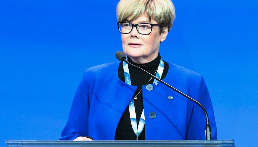Familiekomiteens leder Kristin Ørmen Johnsen (H) opplyser at tre av regjeringspartiene har gått sammen med opposisjonen og vil utrede et forbud mot homoterapi. KrF står utenfor. Foto: Lise Åserud / NTB scanpix