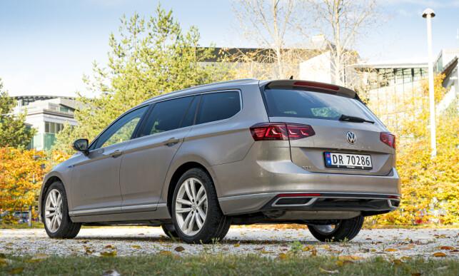 KUN STASJONSVOGN: Har du lyst på stor VW sedan, må du glemme det. Nå selges hverken Passat sedan eller Arteon lenger i Norge. Foto: Jamieson Pothecary