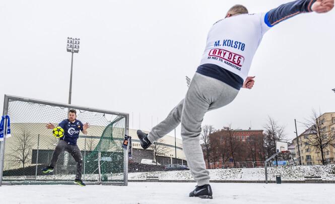 <strong>GA ALT:</strong> 47-årige Jan-Christian Kolstø ga alt, men hans 16 år yngre motstander Atle Simonsen lot seg ikke overliste. Foto: Hans Arne Vedlog / Dagbladet