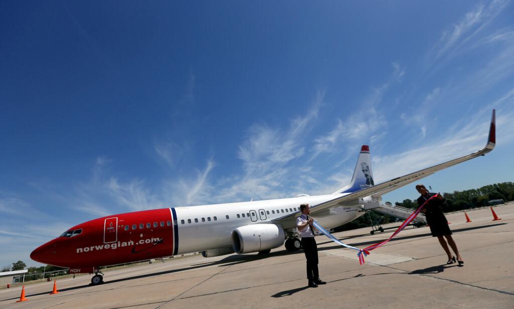SKAL HJEM: I løpet av det neste halvåret skal Norwegians tre Boeing 737-800-fly sendes til Norwegians europeiske nettverk, mens avgangene i Argentina skal flys av selskapet JetSmarts egne Airbus A320-fly. Her fra Ezeiza flyplass i Buenos Aires. Foto: Marcos Brindicci / Reuters / NTB Scanpix