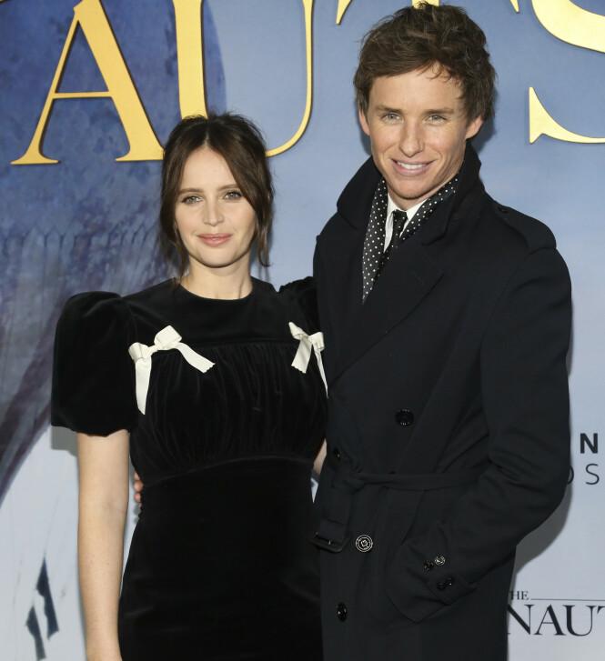 <strong>PREMIERE:</strong> Felicity Jones og Eddie Redmayne på premieren av «The Aeronauts» onsdag kveld. Foto: NTB Scanpix