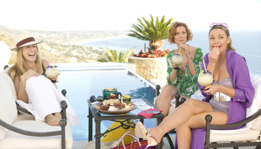 FRIENDMOON: Mange velger å inkludere venner på bryllupsreisen - og i Sex and the City: The Movie fra 2008 tok Carrie Bradshaw (Sarah Jessica Parker) med seg venninnene på det som skulle ha vært bryllupsreisen hennes. FOTO: NTB scanpix