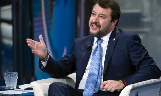 BOIKOTT: Matteo Salvini er nødt til å bytte sjokoladepålegg. Foto: Maurizio Brambatti / ANSA / AP / NTB Scanpix