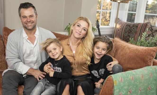 FAMILIE: Karianne og familien stortrives i villaen. Foto: Morten Eik / Se og Hør