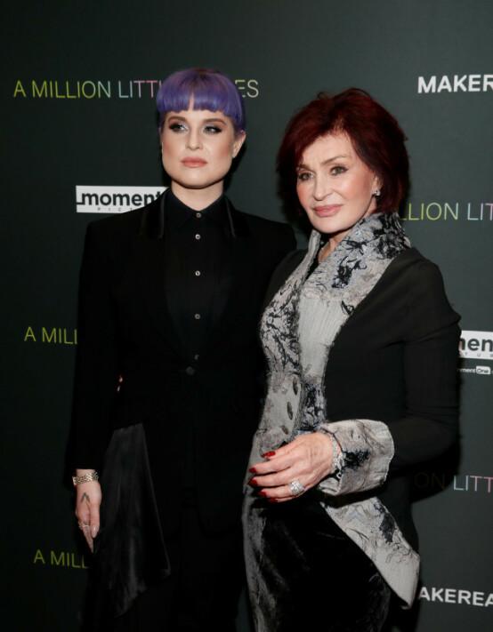 MOR OG DATTER: Sharon og Kelly Osbourne 4. desember i år. Foto: NTB Scanpix