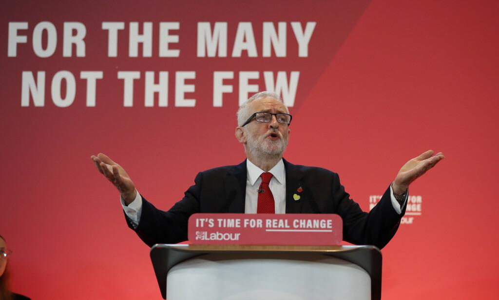 SKAL TA DE SUPERRIKE: I oktober lovet partileder Jeremy Corbyn at han skulle gå etter landets superrike. Foto: Frank Augstein / AP / NTB Scanpix