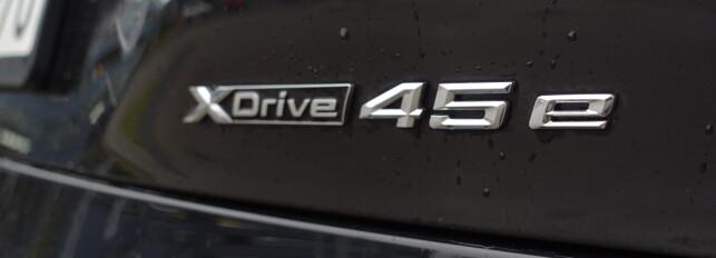 LITT STØRRE TALL: BMW mener nok at treliteren med hjelp av elektrisk motor kan sammenlignes med en god gammeldags 4,5 liter. Foto: Rune M. Nesheim