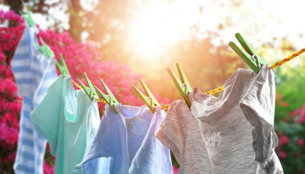UTENDØRS KLESTØRK: Før tørket de fleste klærne ute, men i dag er det ikke alle som har muligheten til det.