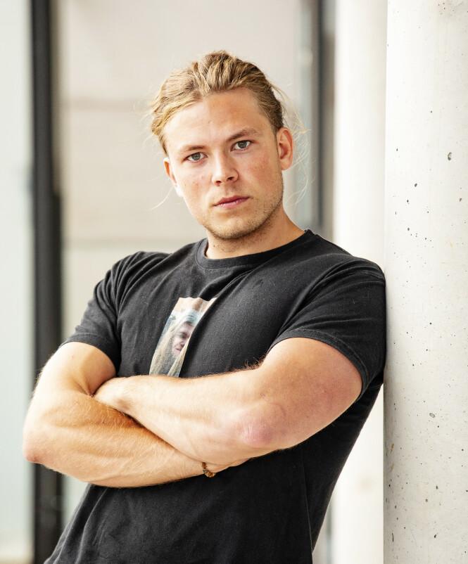 <strong>POPUKÆR FYR:</strong> Erik Rotihaug (24) ble en av seernes favoritter, og han koser seg i rampelyset. Foto: Tor Lindseth/Se og Hør