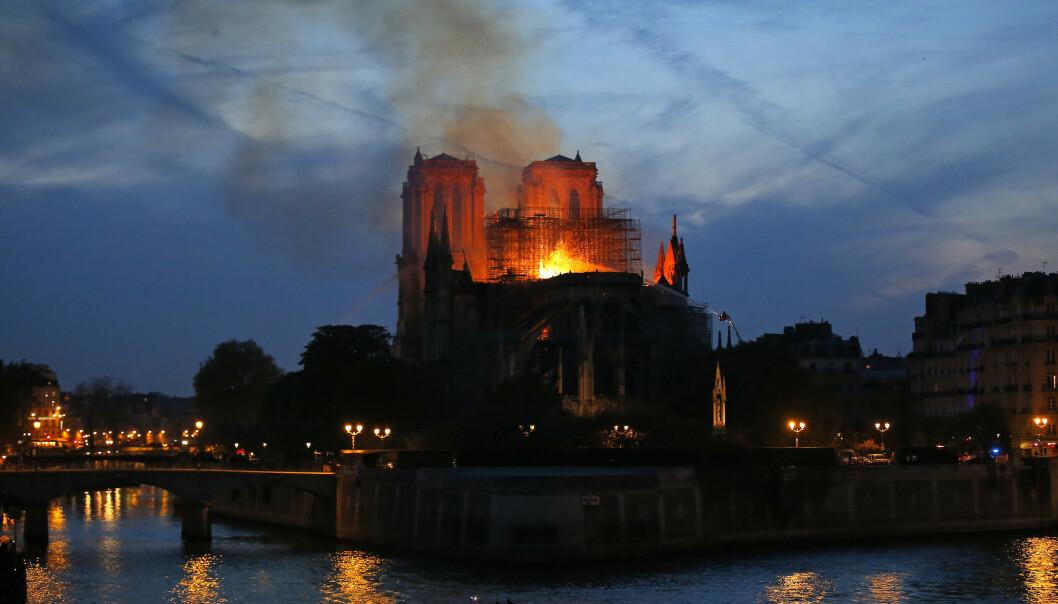 Notre-Dame topper Google-statistikken for 2019. Foto: Michel Euler / AP / NTB scanpix