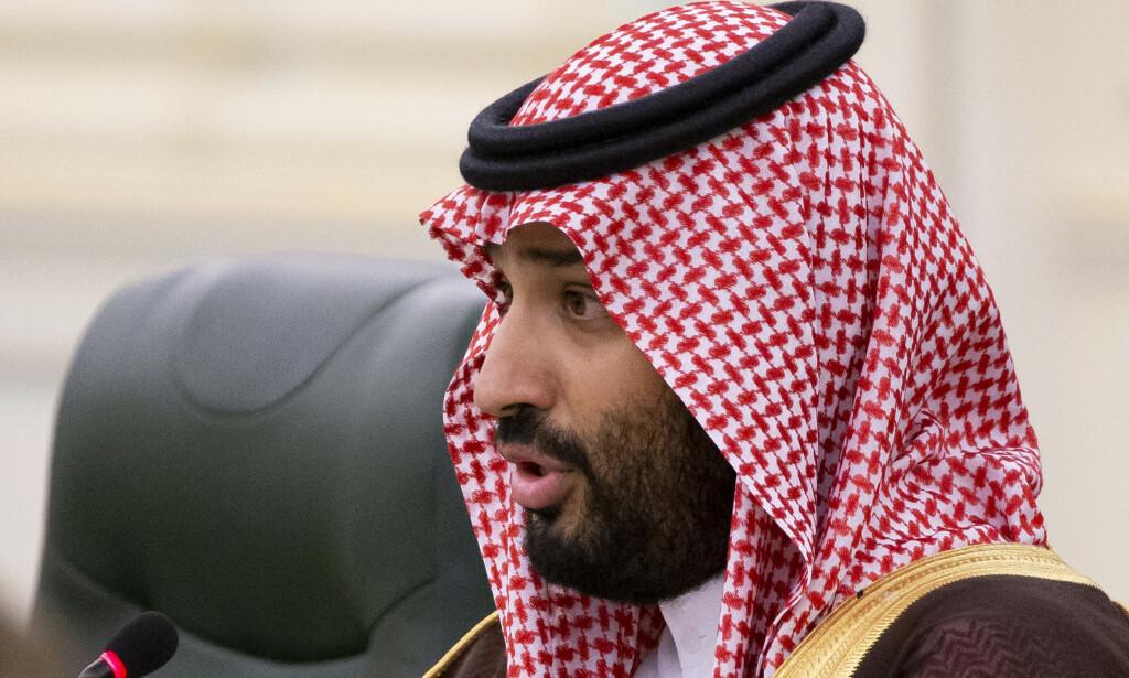 STØRST: Saudi-Arabias kronprins Mohammed bin Salman sa ja til å ta en liten del landets statlige oljeselskap på børs. På timer ble Aramco verdens største selskap målt i børsverdi. Foto: NTB scanpix / AP / Alexander Zemlianichenko