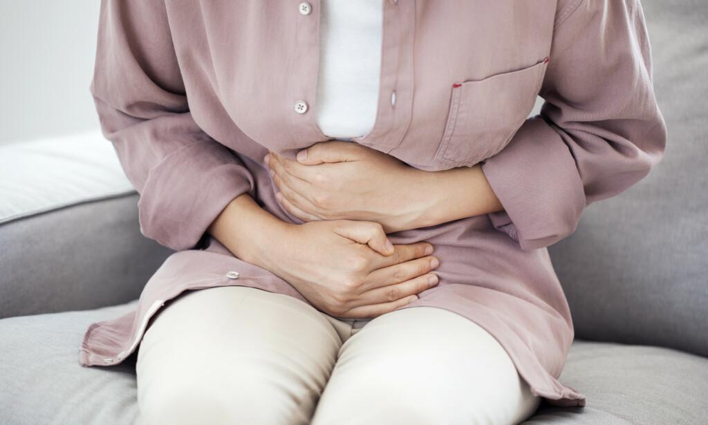 MAGESMERTER: Kommer smerte takvis kalles det ofte kolikk. Foto: Shutterstock/ NTB Scanpix