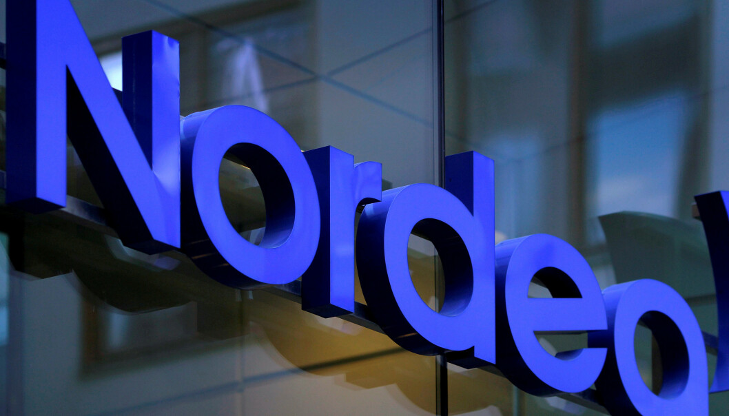 <strong>FILE PHOTO:</strong> The Nordea bank logo is seen outside their corporate headquarters in Stockholm February 2, 2011. REUTERS/Bob Strong/File Photo